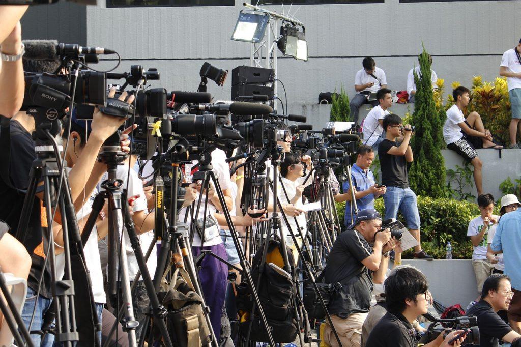 Društvo kao odraz medija